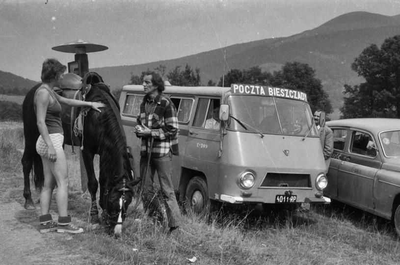 """Termin """"stonka"""" w latach sześćdziesiątych przypisany był do turystów zorganizowanych, bo najbardziej rzucali się w oczy, jednak z czasem przeszedł na wszystkich wędrujących po Bieszczadach /Agencja FORUM"""