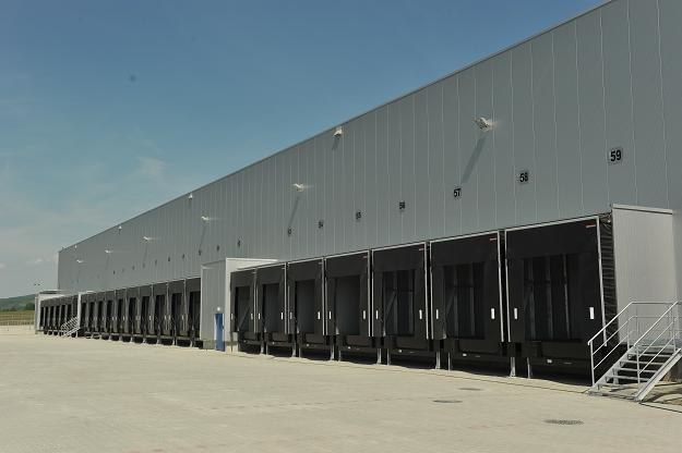 Terminal przeładunkowy typu cross-dock dla DB Schenker Logistics w Kraków Airport Logistics Centre /
