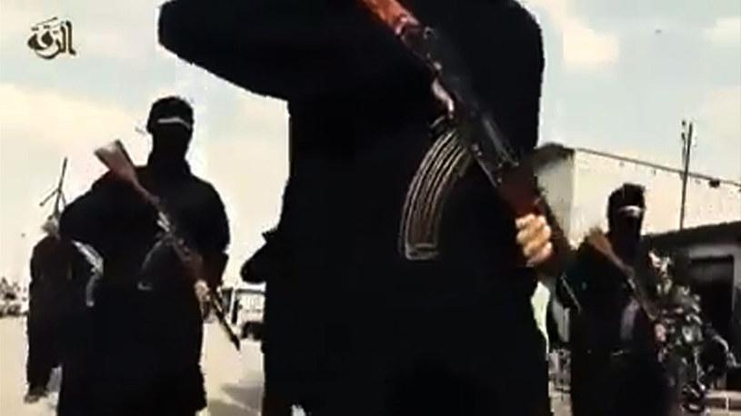 Terroryści z ISIS /AFP