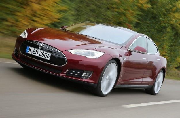 Tesla chce produkować również auta w bardziej przystęnych cenach /