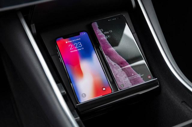 Tesla Model 3 z nowym wyposażeniem /materiały prasowe