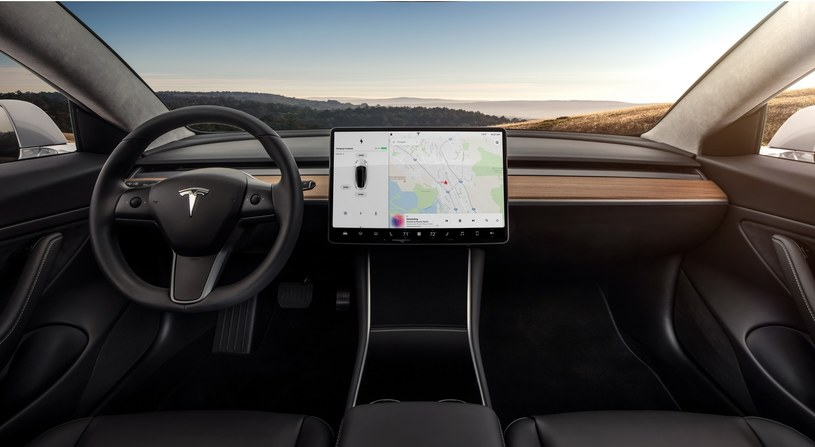 Tesla Model 3 /