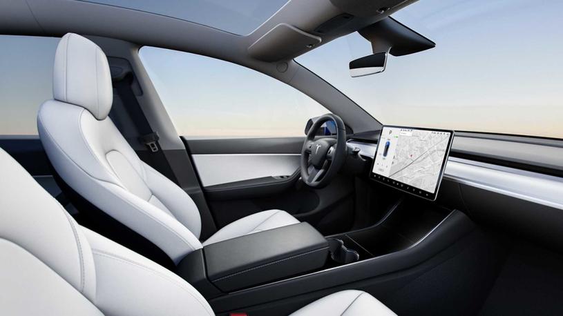 Tesla Model Y /