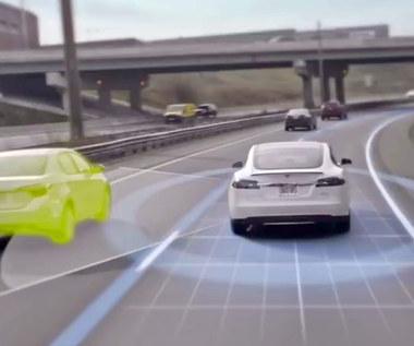 Tesla sama uniknęła wypadku