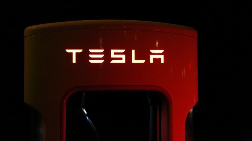 Tesla ujawnia swój nowy superkomputer do trenowania Autopilota /Geekweek