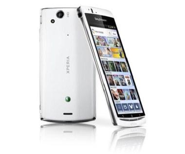 Test Sony Ericsson Xperia arc S - casual na sterydach