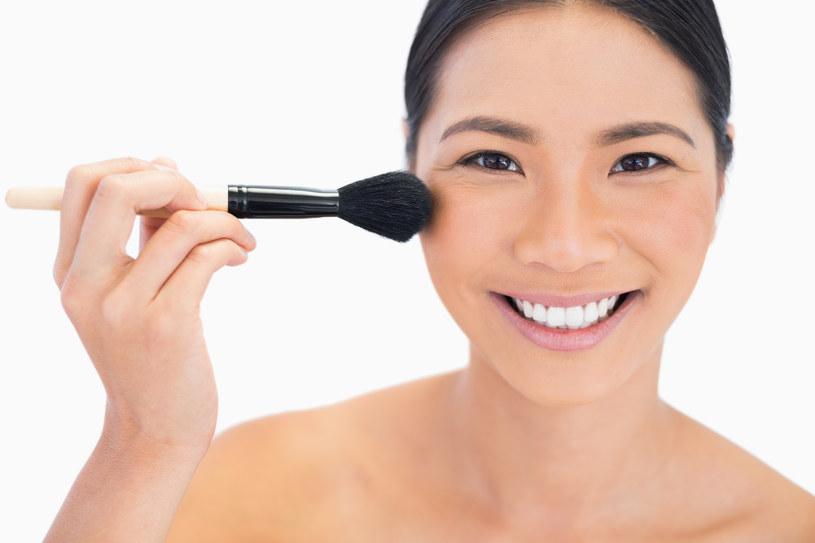 testowanie kosmetków /© Photogenica