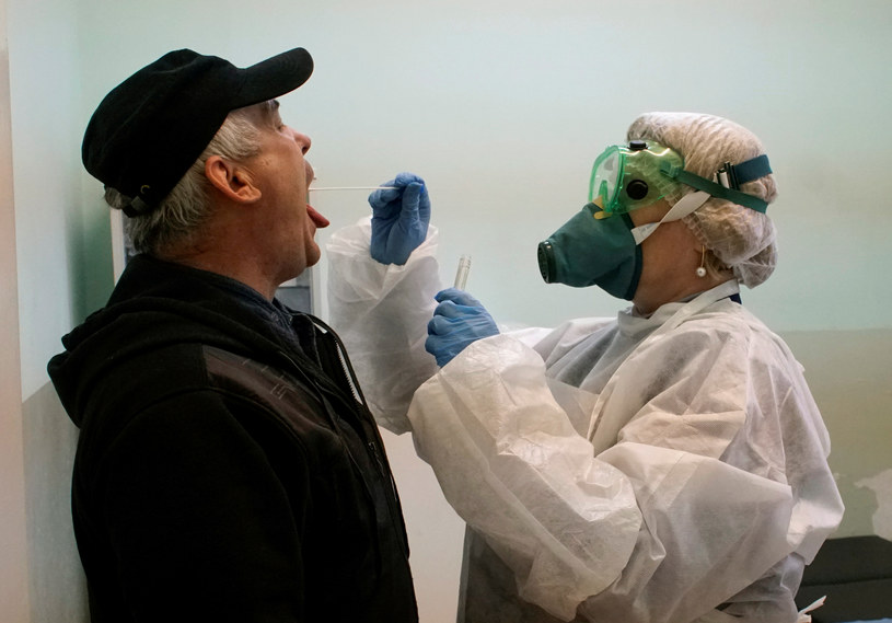 Testy na koronawirusa, zdjęcie ilustracyjne /VASILY FEDOSENKO/Reuters /Agencja FORUM
