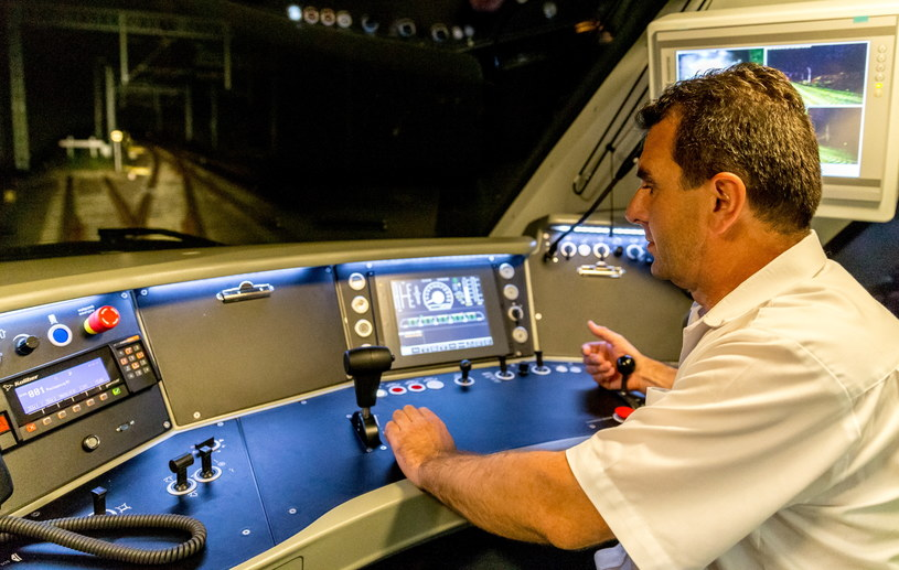 Testy pociągu Impuls 45WE, połączone z próbą bicia rekordu prędkości na Centralnej Magistrali Kolejowej w Górze Włodowskiej k. Zawiercia /Andrzej Grygiel /PAP