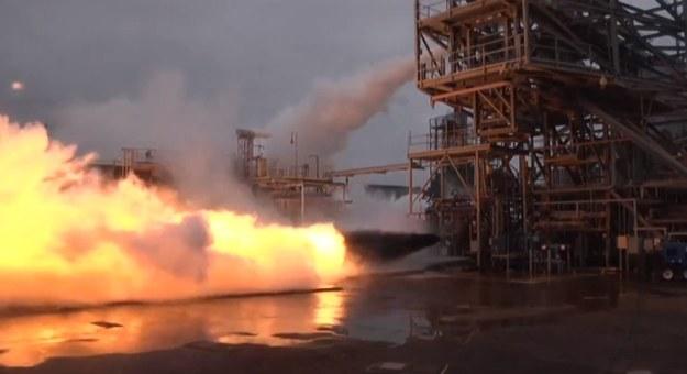 Testy potężnego silnika rakietowego /NASA