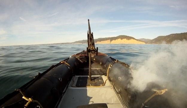 Testy systemu laserowego ADAM prowadzone przez koncern Lockheed Martin u wybrzeży Kalifornii wykazały jego skuteczność przeciwko szybkim łodziom motorowym. Fot. Lockheed Martin /materiały prasowe