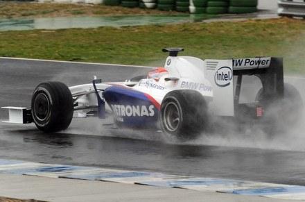 Testy w Jerez w deszczu /