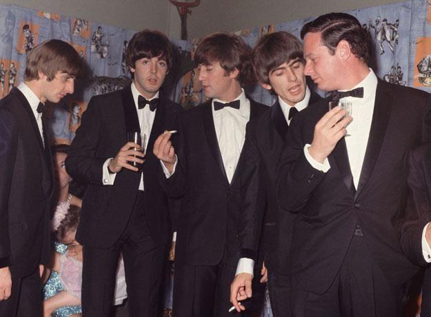 The Beatles jako kwintet: Brian Epstein pierwszy z prawej fot. Hulton Archive /Getty Images/Flash Press Media
