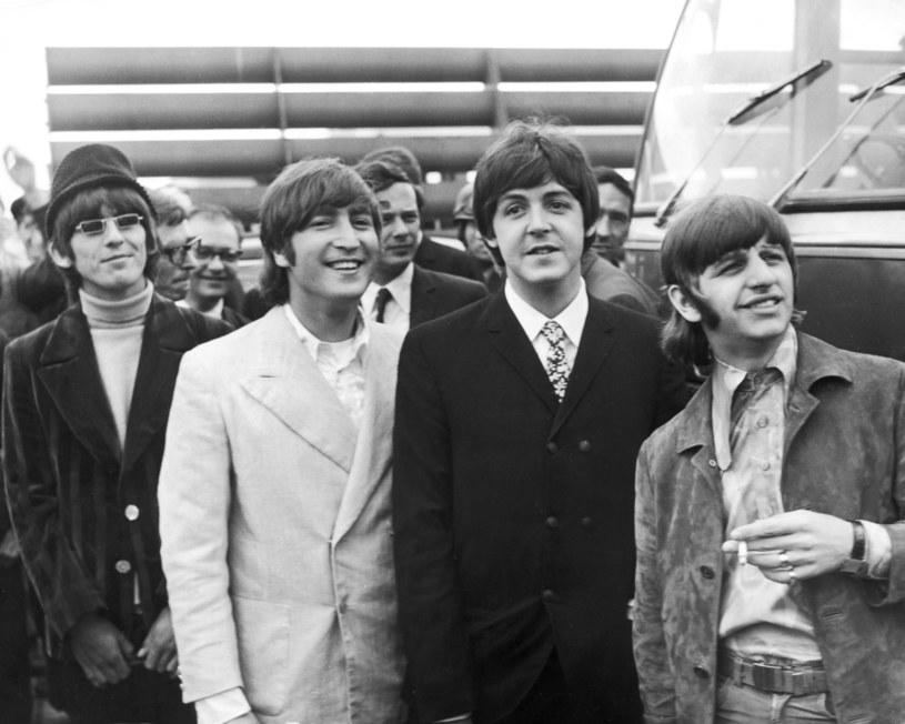 The Beatles w połowie 1966 roku: od lewej George Harrison, John Lennon, Paul McCartney i Ringo Starr /Wesley/Keystone/Hulton Archive /Getty Images