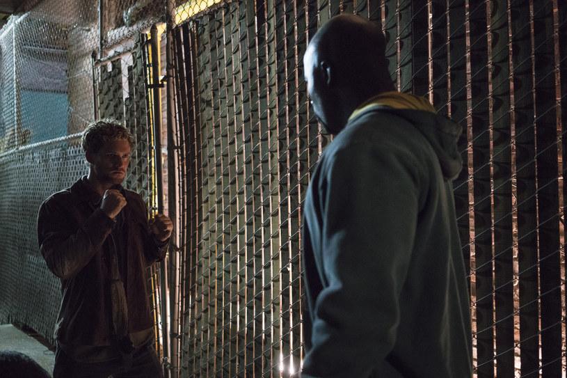 """The Defenders"": Finn Jones (Danny Rand/Iron Fist), Mike Colter (Luke Cage) /Sarah Shatz/Netflix /materiały prasowe"