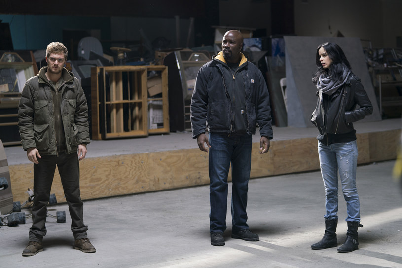 """""""The Defenders"""": Finn Jones, Mike Colter, Krysten Ritter /Sarah Shatz/Netflix /materiały prasowe"""