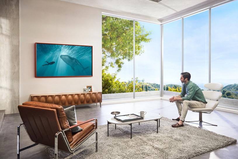 The Frame w mieszkaniu może pełnić szereg różnych opcji: od telewizora, poprzez małą galerię z dziełami sztuki, a kończąc na prezentacji ważnych dla nas zdjęć /materiały prasowe