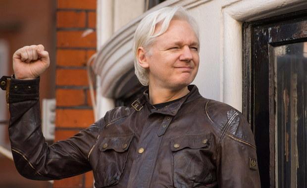 """""""The Guardian"""": Rosjanie rozważali pomoc w ewentualnej uciecze Assange'a"""