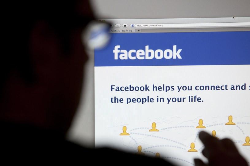 The Guardian ujawnia zasady działania cenzury Facebooka /123RF/PICSEL