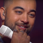 """""""The Voice"""": Chris Sebastian wygrał program. Jego brat trener doprowadził go do łez"""