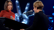 """""""The Voice of Poland"""": Tom Odell i Alice Merton zaśpiewali """"Half As Good As You"""" (wideo)"""
