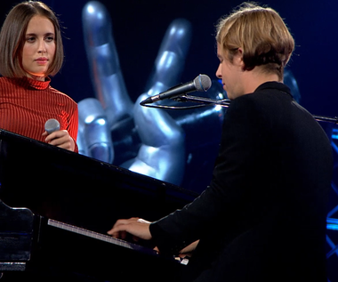 """The Voice of Poland"": Tom Odell i Alice Merton zaśpiewali ""Half As Good As You"" (wideo)"
