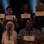 """""""The Voice"""": Przejmujący hołd dla ofiar"""