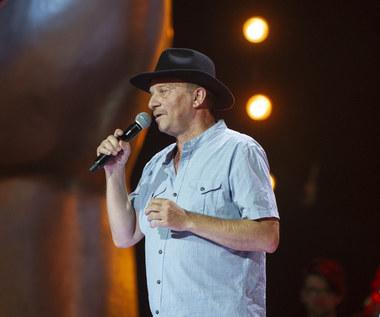 """""""The Voice Senior"""": Andrzej Pawłowski na scenie. Bywalec TVP wcześniej podbił serca widzów """"The Voice of Poland"""""""
