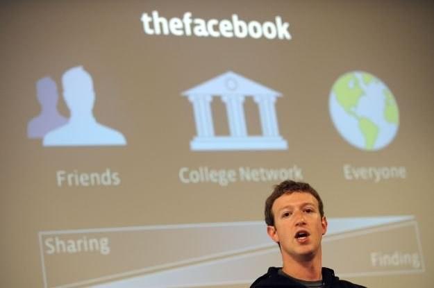thefacebook - taką pierwotną nazwę miał Facebook. Jakie zmiany szykują się teraz? /AFP