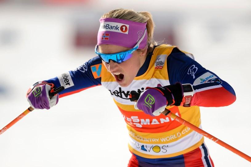 Therese Johaug na trasie PŚ w Davos. /AFP