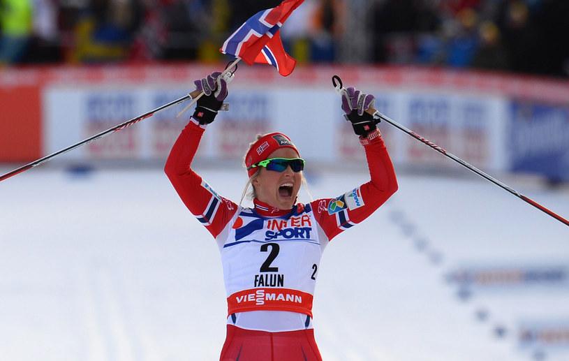 Therese Johaug triumfuje /AFP