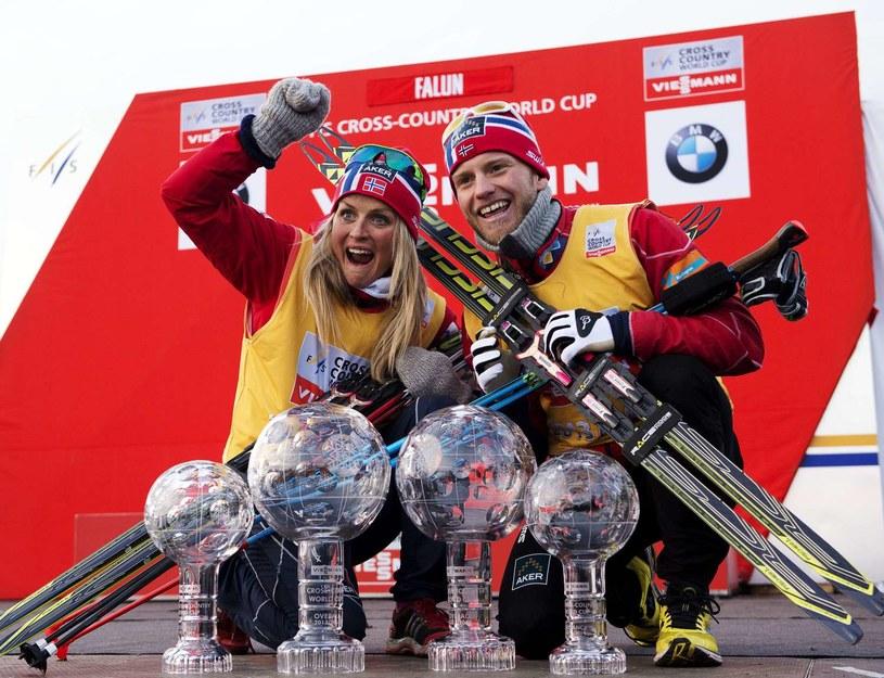 Therese Johaug (z lewej) i Martin Johnsrud Sundby /AFP