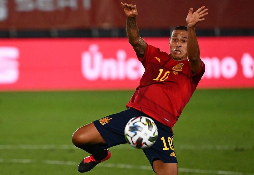 Thiago Alcantara w barwach reprezentacji Hiszpanii /GABRIEL BOUYS /AFP
