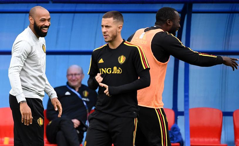 Thierry Henry na treningu z belgijskimi gwiazdami /AFP
