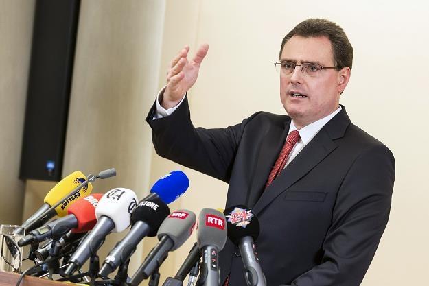 Thomas Jordan prezes Banku Centralnego zapowiada interwencję /AFP