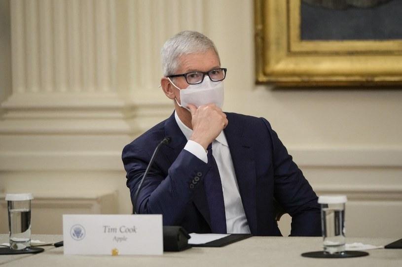 Tim Cook próbuje walczyć z przeciekami w Apple /AFP