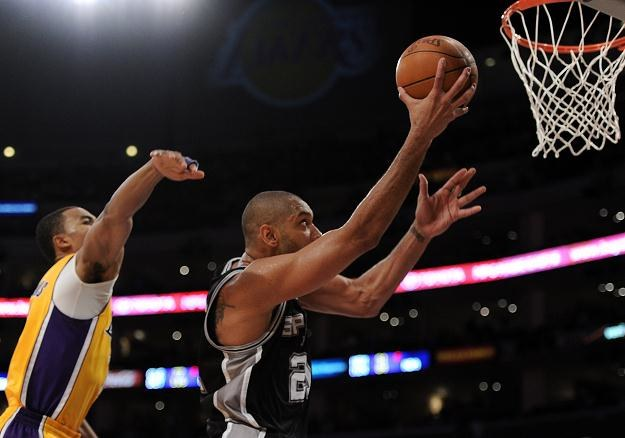 Tim Duncan zdobył 21 pkt dla San Antonio Spurs. /AFP