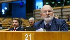 Timmermans przyjedzie do Polski. Będzie rozmawiał z Morawieckim o praworządności