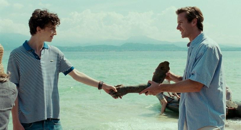 "Timothée Chalamet i Armie Hammer w filmie ""Tamte dni, tamte noce"" /UIP /materiały dystrybutora"