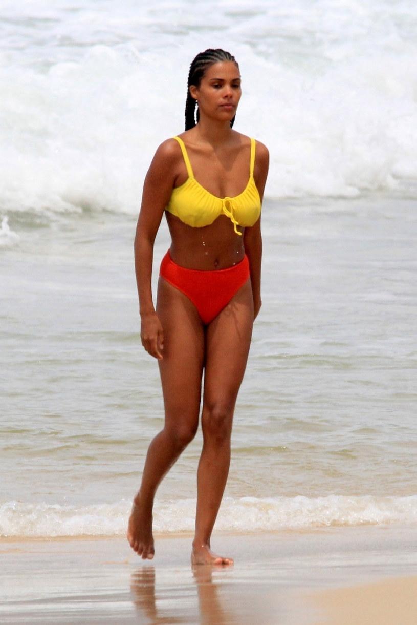 Tina Kunakey jest modelką, a prywatnie żoną Vincenta Cassela /DESI/Backgrid /East News