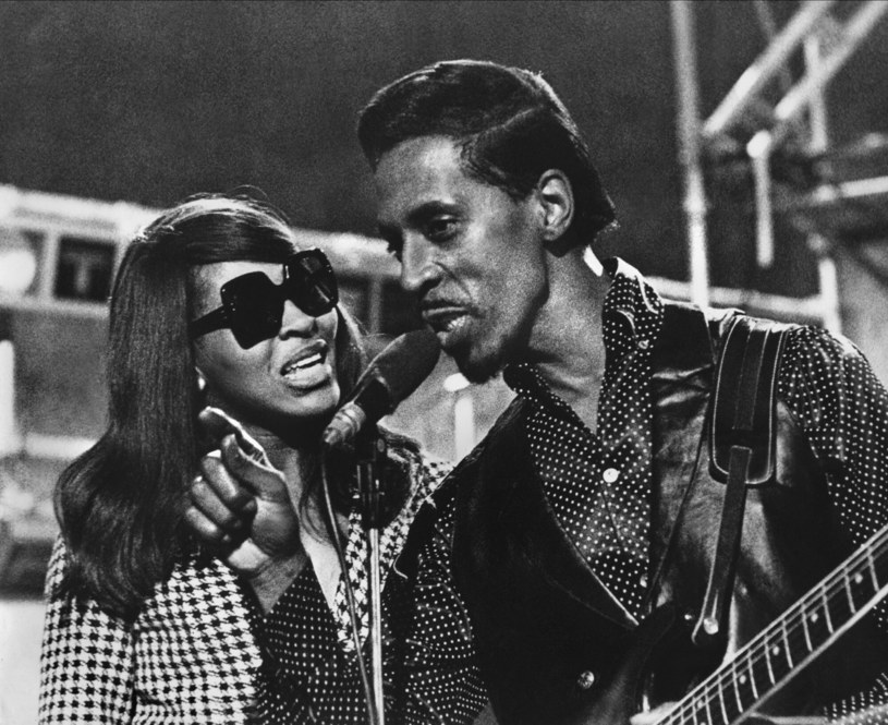 Tina Turner i jej były mąż Ike Turner na zdjęciu w 1967 roku /AF Archive/Cinetext/Morgan/Mary Evans Picture Library /East News