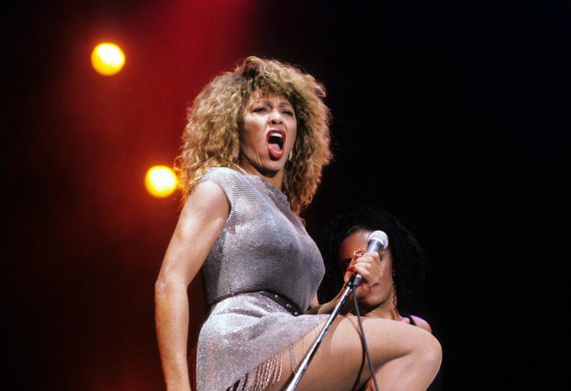 Tina Turner w 1990 roku. Wiedziała, jak podnieść temperaturę scenicznymi ruchami! /imago stock&people/Imago Stock and People /East News