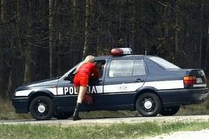 Tirówki, żebracy i policjanci...