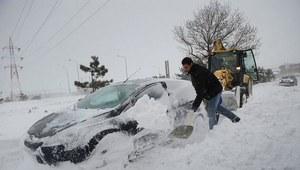 Tiry blokują drogi. Ciężkie warunki w całej Polsce