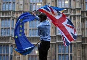 Tkaczyk: Polacy masowo opuszczają Wielką Brytanię