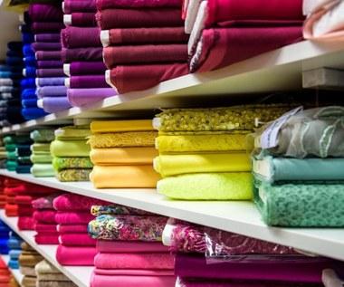 Tkaniny i ich wpływ na zdrowie – jakie materiały wybierać?