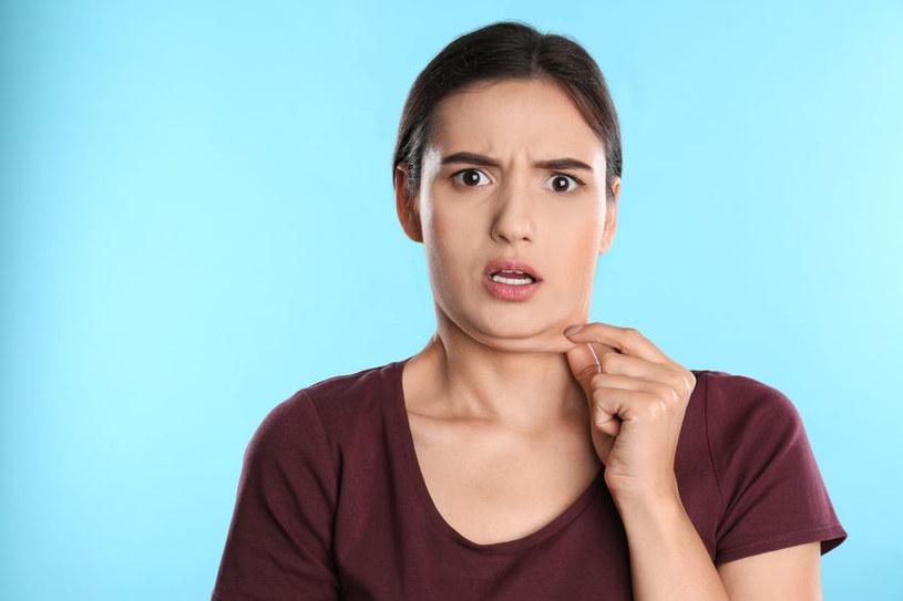 Tkanka tłuszczowa może gromadzić się również na twarzy /123RF/PICSEL