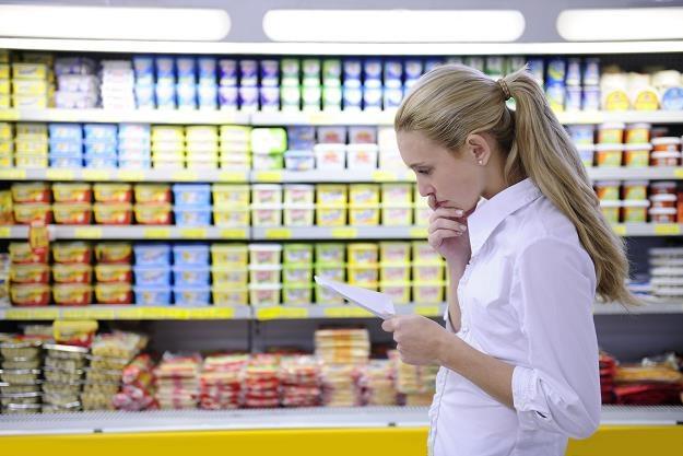 Tłok w sklepie, kolejki i błędne oznakowanie cen to najbardziej irytujące polskich konsumentów /