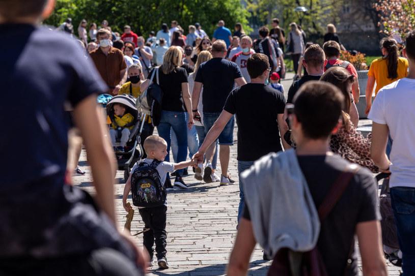Tłum ludzi w Krakowie, zdj. ilustracyjne /Dominika Zarzycka/NurPhoto /Getty Images