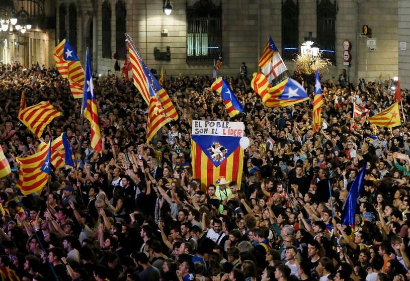Tłum na ulicach Barcelony /AFP
